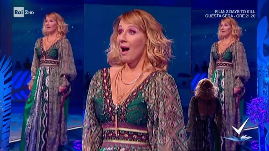 Detto Fatto - S2019/20 - Carla Gozzi - Il cambio look di ...