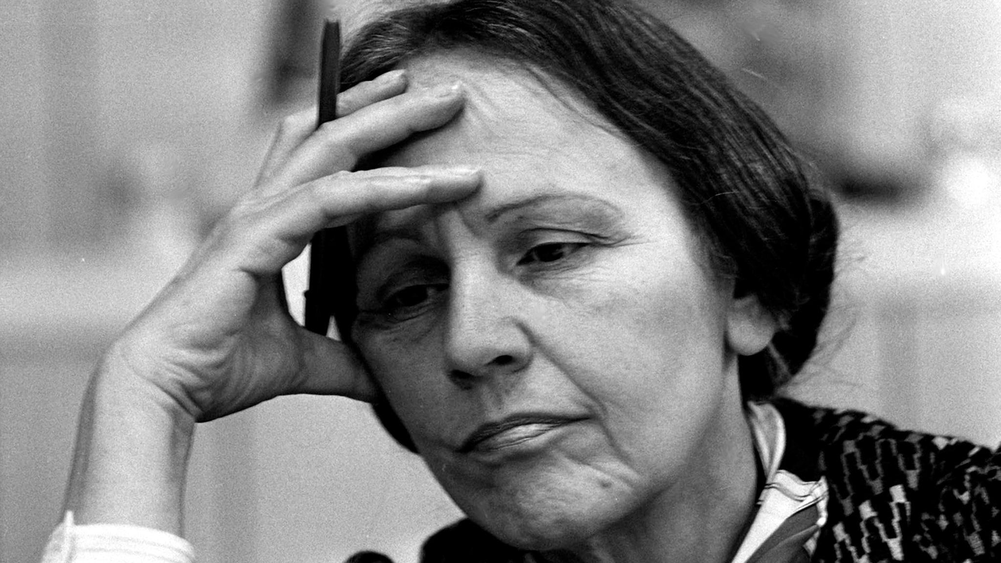 Rai Storia Italiani con Paolo Mieli - Leonilde Iotti detta Nilde - La donna, l'onorevole, la presidente