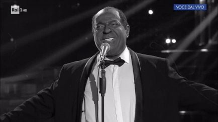 "Tale e Quale Show - Louis Armstrong - Platinette canta: ""What a wonderful world"" - 29/09/2017 - RaiPlay"