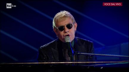 "Tale e Quale Show - Piero Mazzocchetti - Elton John canta: ""Sorry seems to be the hardest word"" - 13/10/2017 - RaiPlay"