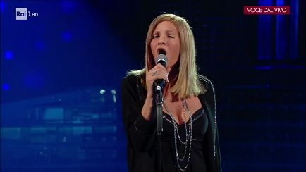 "Tale e Quale Show - Annalisa Minetti - Barbra Streisand canta: ""The way we were"" - 27/10/2017 - RaiPlay"