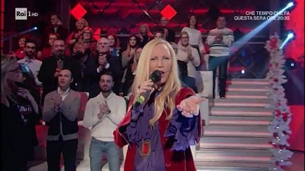 "Domenica In - Patty Pravo canta ""La bambola"" - 09/12/2018 - RaiPlay"