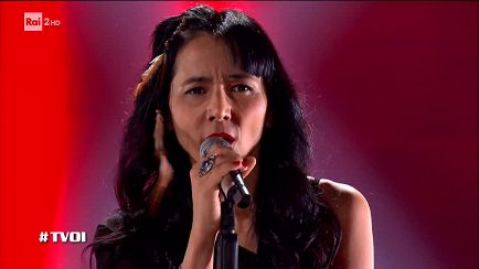 "The Voice of Italy - Kumi Watanabe: ""L'una per te"" - Blind Auditions - RaiPlay"
