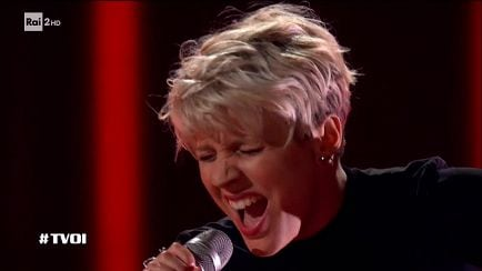 "The Voice of Italy - Eliza G: ""Hurt"" - Blind Auditions - RaiPlay"