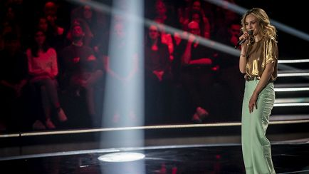 "The Voice of Italy - Vittoria Tampucci: ""Felicità Puttana"" – Blind Auditions - RaiPlay"