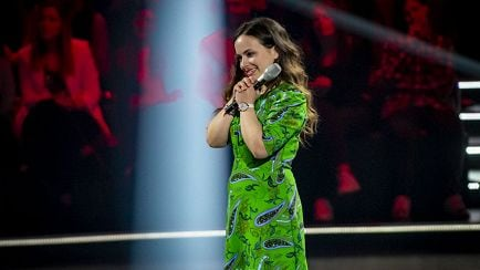 "The Voice of Italy - Greta Giordano ""Canto (anche se sono stonato)"" – Blind Auditions - RaiPlay"