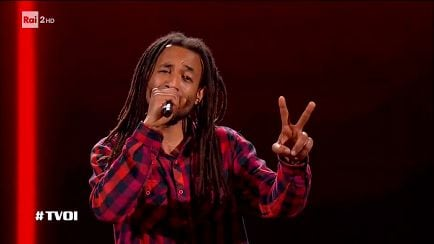 "The Voice of Italy - Raphael Nkereuwem: ""With My Own Two Hands"" - Blind Auditions - RaiPlay"