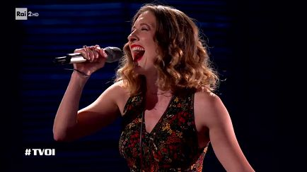 "The Voice of Italy - Tess Amodeo Vickery: ""On my own"" - Blind Auditions - RaiPlay"