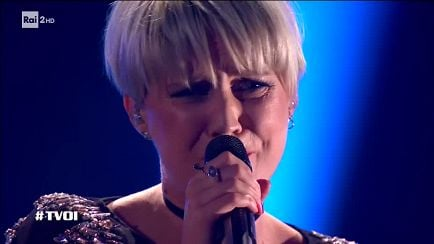 "The Voice of Italy - Eliza G: ""Altro che favole"" - Knock Out - RaiPlay"