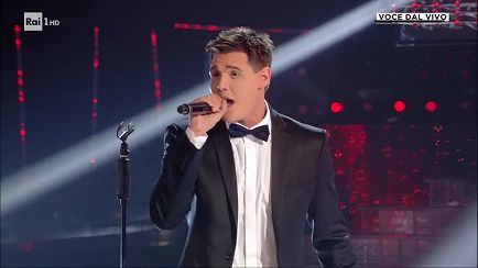 "Tale e Quale Show - Michael Bublé - Francesco Monte canta: ""Home"" - 18/10/2019 - RaiPlay"