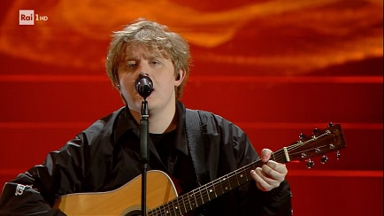 Festival di Sanremo - Lewis Capaldi canta 'Before you go' e 'Someone you loved' - RaiPlay